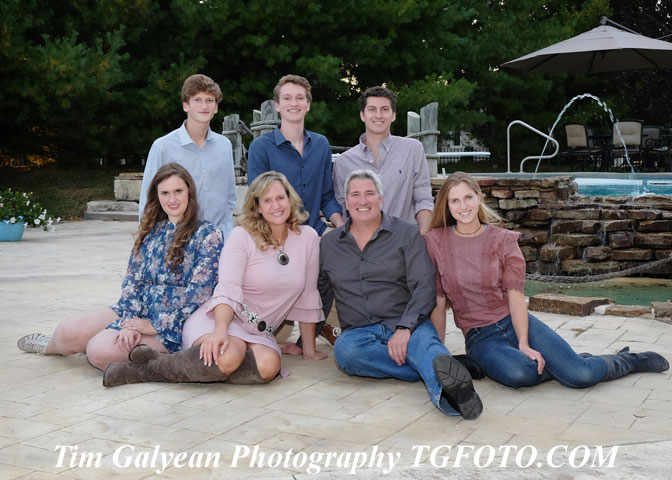 family portrait,couple,engagement,anniversary,photography,overland park ks,kansas city,photographer,outdoor,natural,nofilter,leawood,location,home,