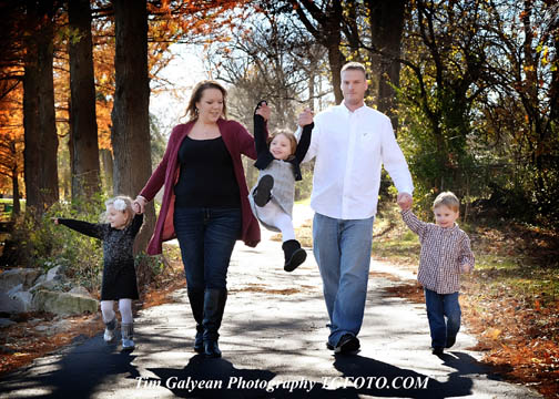 Fun walking family portraits and pictures. Tim Galyean Photography