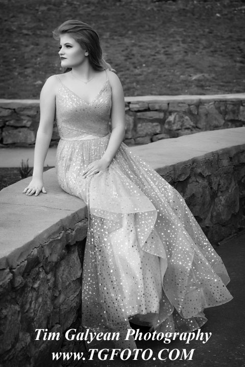 prom,dress,overland,park,ks,mo,black,white,bnw,b&w,outside,location,olathe,south,west,east,northwest,southwest,north,senior,pictures,portraits,blue,valley,ks,mo,